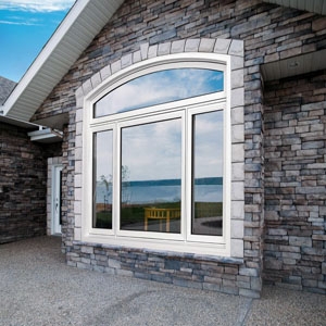 Vinyl window with shoulder transom